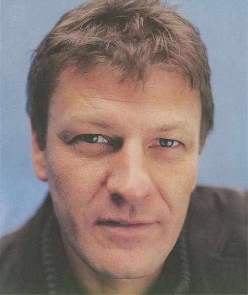 Simon Beckett meets Fellowship of the Ring star Sean Bean and finds his ...